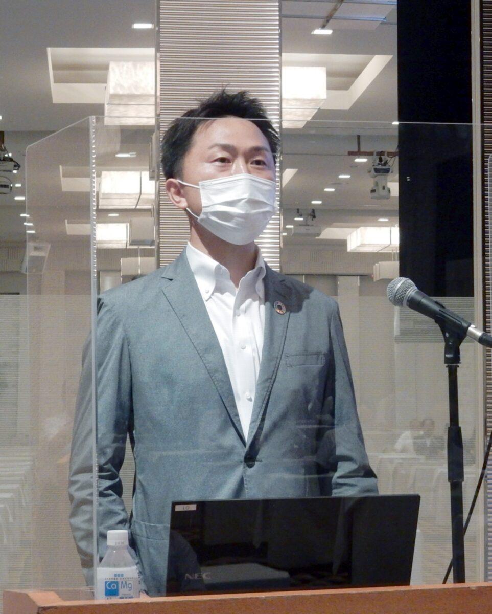 講演する「詩の国秋田」の伊藤晋宏氏